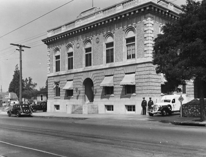 LAPD's Highland Park station ca. 1930s. [Photo courtesy of Los Angeles Public Library.]