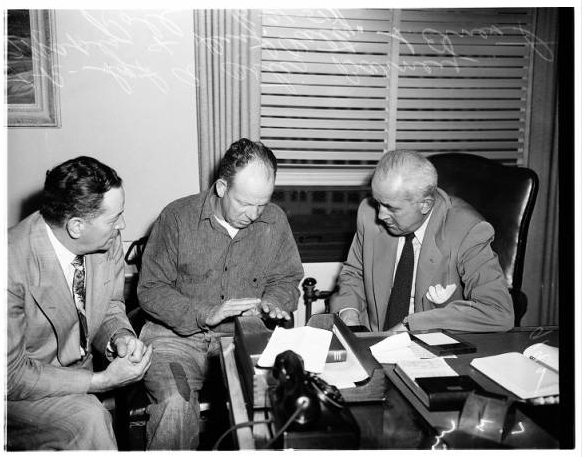 Barney Mapes with Det. Ortiz and D.A. Roll [Photo courtesy of USC Digital Archive]