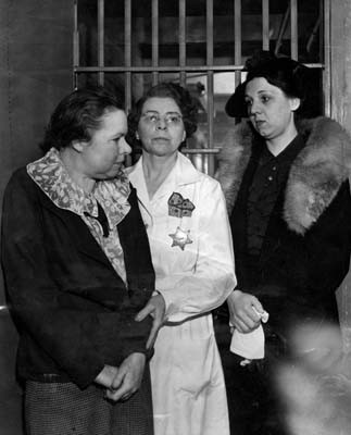 Mary Plettner, drunk juror; jail matron; Helen Love.  Photo courtesy LAPL.