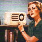 radio-vintage-lady