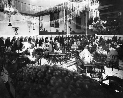 00037577_boos bros xmas dinner 1934